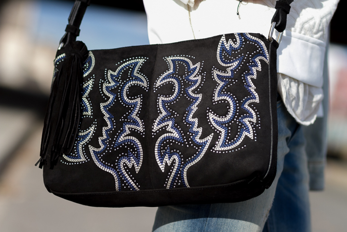 Bolso de ante con bordado de colores cow boy de Zara Accesorios WOWS