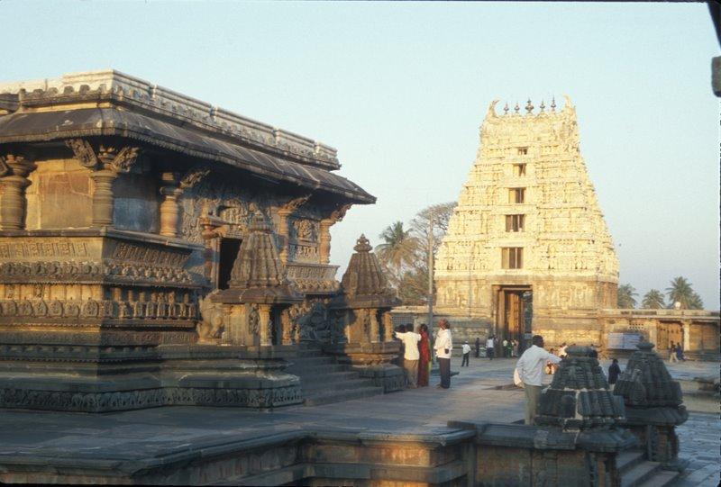 இமயம் முதல் குமரி வரை எத்தனை ஆலயங்கள்  Temple+27+Belur+Kar