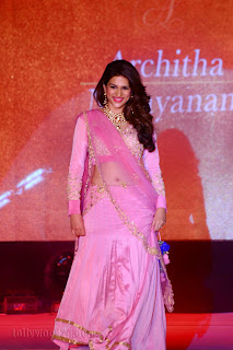 Shraddha Das in Sizzling Pink Saree Backless Blouse Ramp Walk at Fashion Show Must see