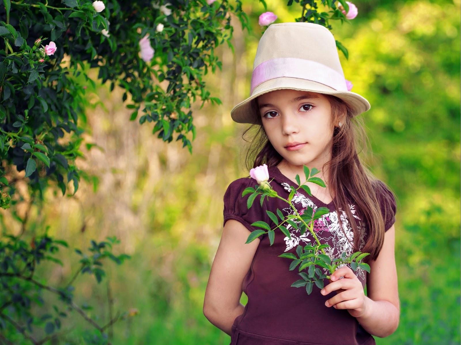 Girl in Hand Branch
