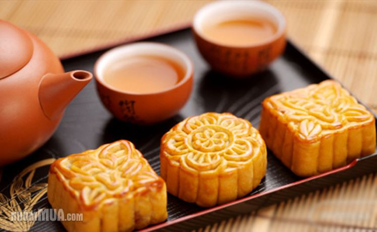 Moon cake: from an autumn tradition | Vietnam Information - Discover ...