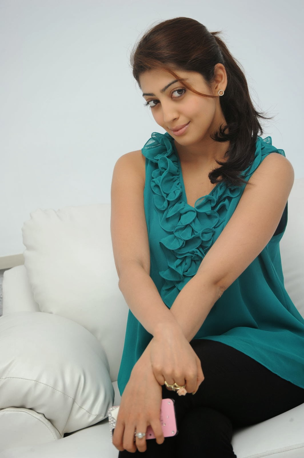 Beautiful Pranitha latest photos at attarintiki daredi movie interview