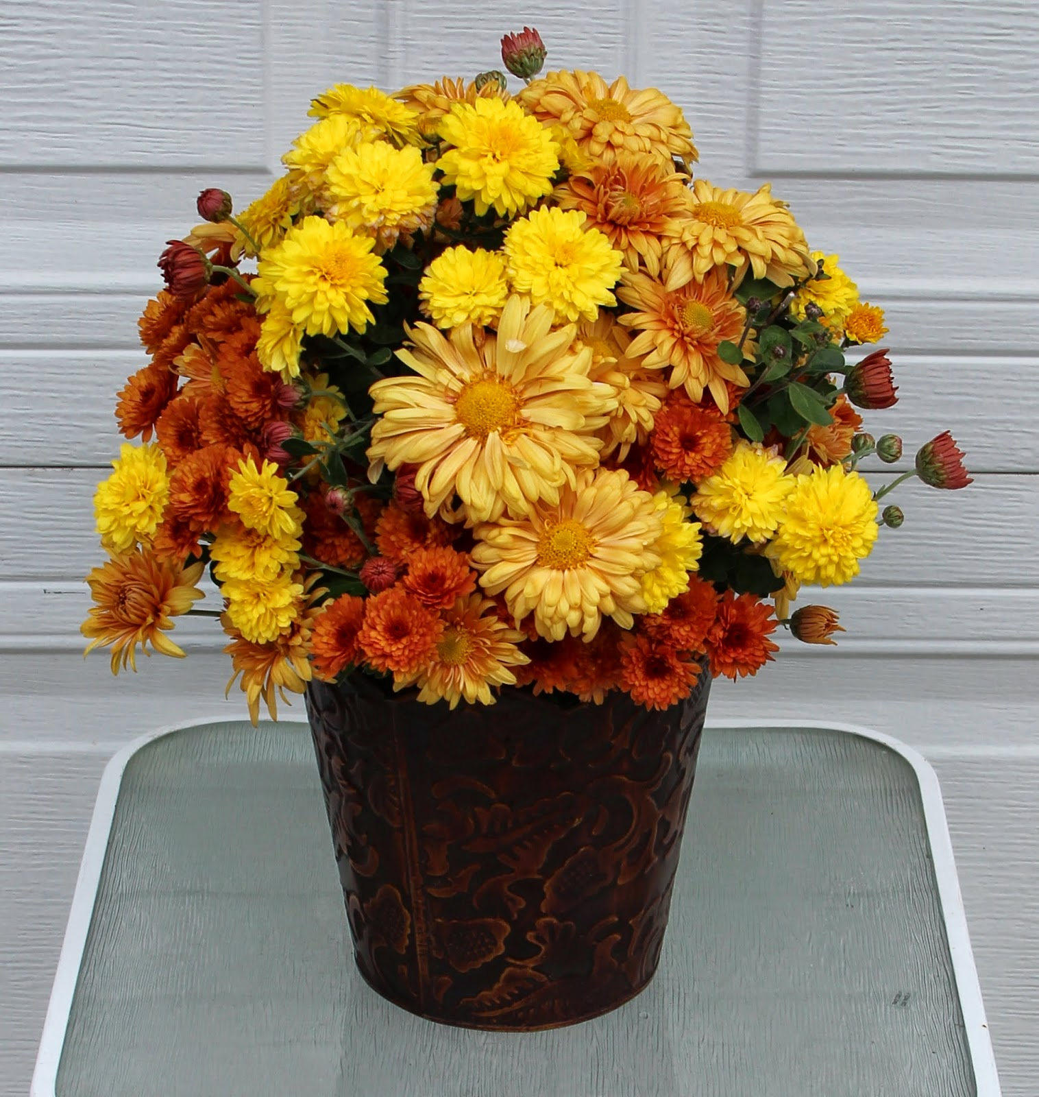 Fall Flower Mums: Using A Variety In Fall Arrangements