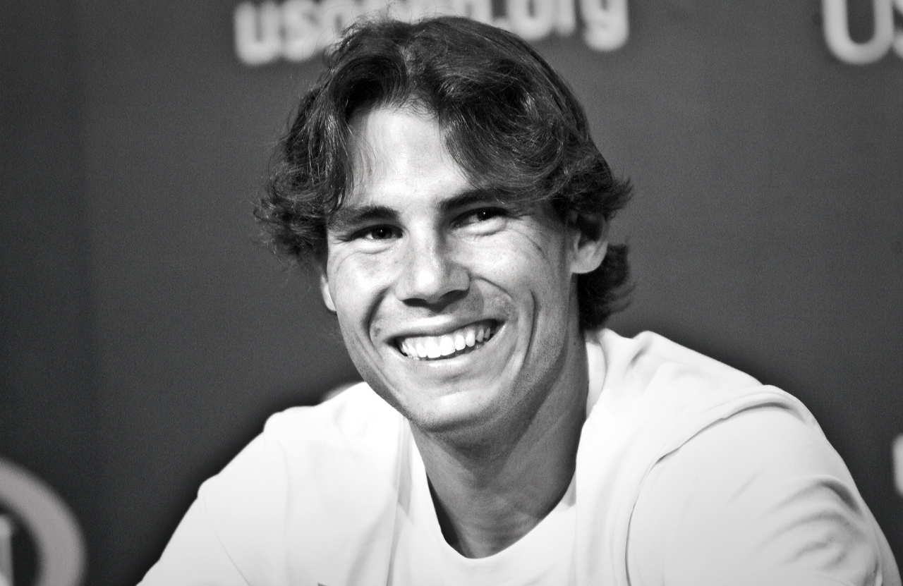 http://2.bp.blogspot.com/-ZYBM0h2Iue8/T2KcEkvyhvI/AAAAAAAACnI/lPqV4aoMANc/s1600/rafael-nadal-smiles-wide-us-open-2010.jpg