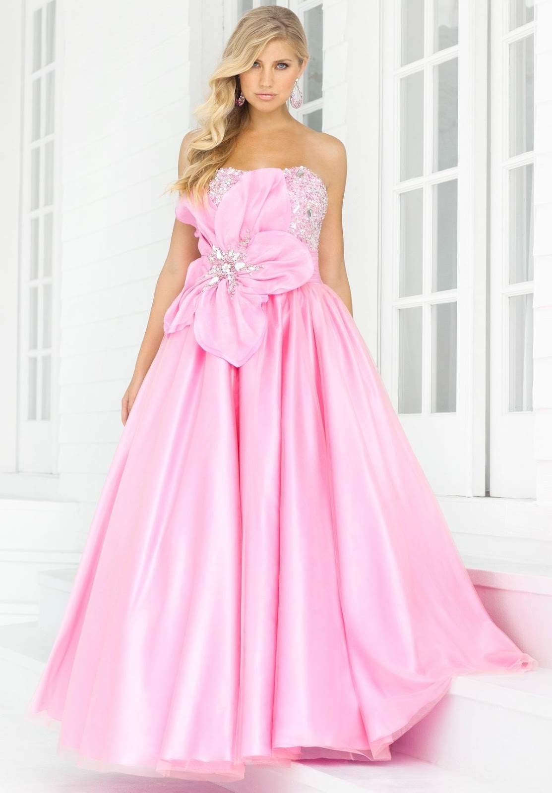 WhiteAzalea Ball Gowns: Delicate Ball Gowns Make You a Fair Lady