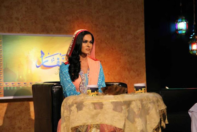Veena Malik First Religious Show Gets 3 Crore Viewer