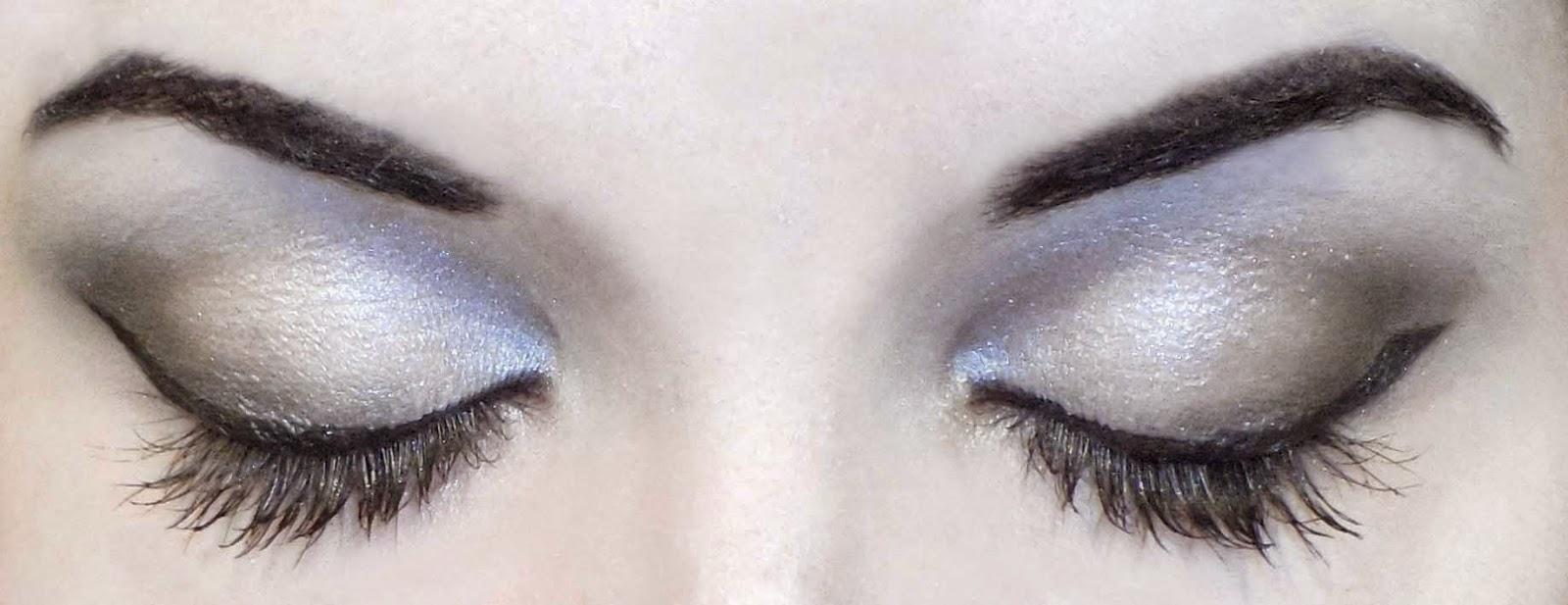 maquillaje de cejas angulosas