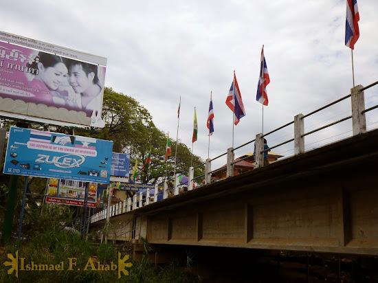 Bridge connecting Tachileik, Myanmar and Mae Sai, Thailand