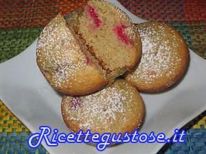 http://www.ricettegustose.it/Biscotti_piccola_pasticceria_html/Muffin_ai_lamponi_e_farina_di_farro.html