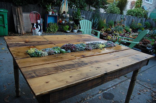 pallets into furniture. Turning Pallets Into Gardening Furniture And More