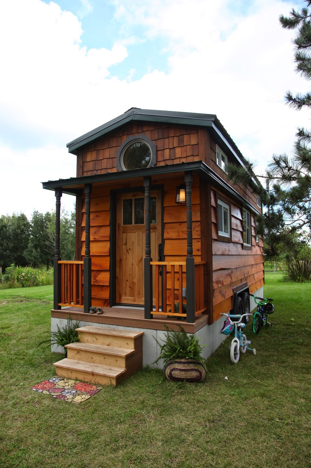 Lord help me she said tiny house for a family of for Tiny house family of 6