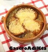 Sopa de cebolla gratinada