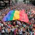 Uma bandeira colorida: Parada Gay 2015