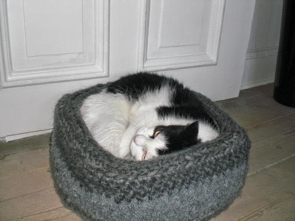Hæklet kattekurv
