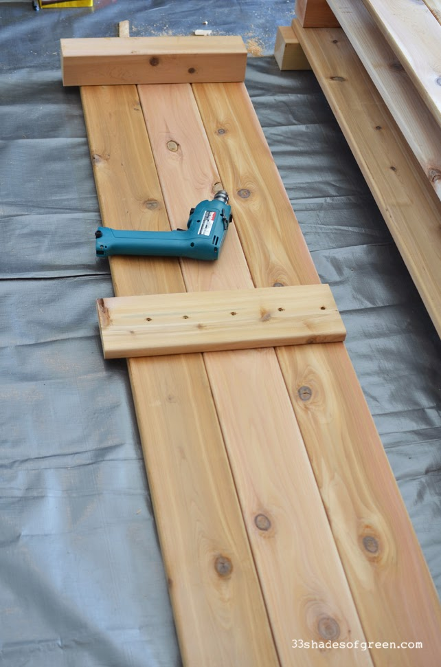 Stand Up 2 Of Your 6u0027 End Panel Sections. If You Are Doing This On A Flat  Surface, They Will Stand Up On Their Own. Place Approximately 3u0027 Apart So  You ...
