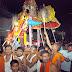 तुळजाभवानी मंदिरात शनिवारी रात्री गरुड वाहनामध्ये छबिना काढण्यात आला