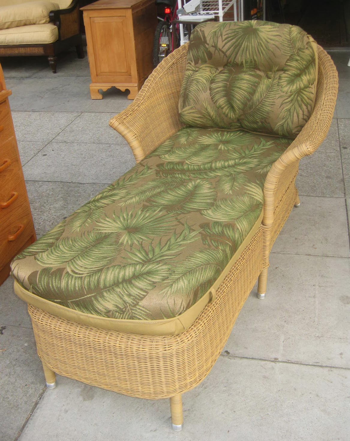 Uhuru furniture collectibles sold wicker chaise for Black wicker chaise lounge
