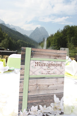Edelweiss, Holz und Grün - Buffetkarten für das Hochzeitsbuffet