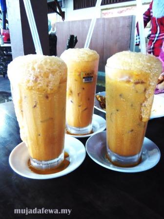 teh tarik madu, teh ais madu, warung pak mat, warung pak mat pulau pisang, sup kepala ikan
