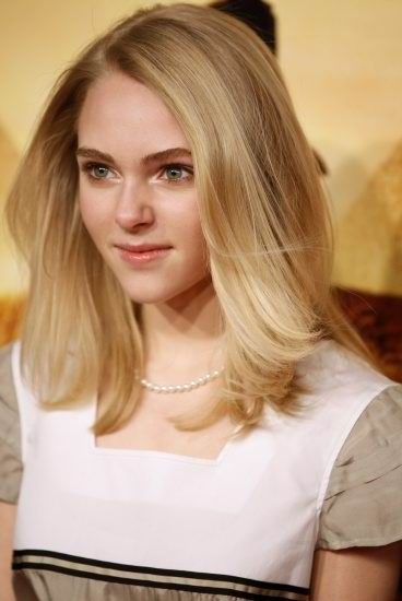Annasophia Robb Medium Length HairStyle