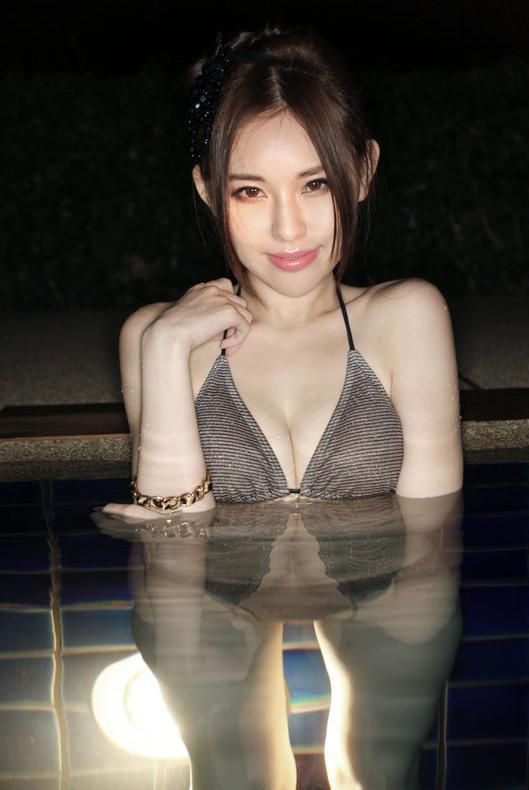 Celia Kwok 郭颖儿