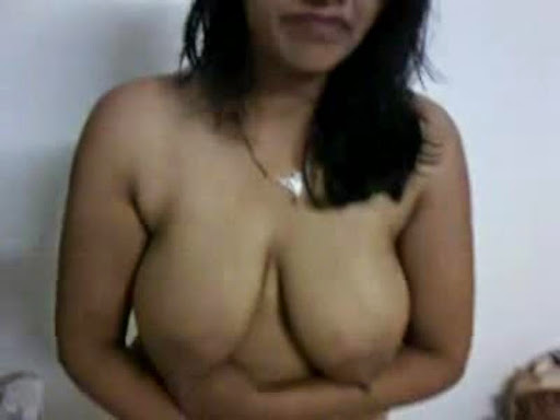 huge breasts local uncles wife nude in her bedroom   nudesibhabhi.com