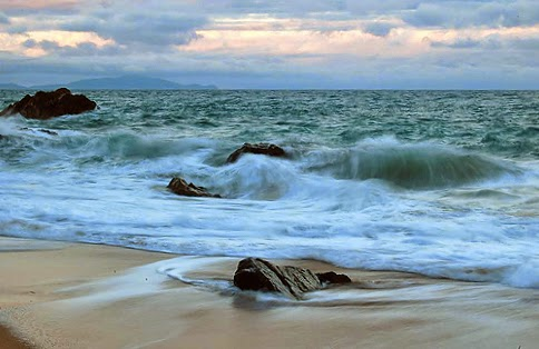 beach horizon