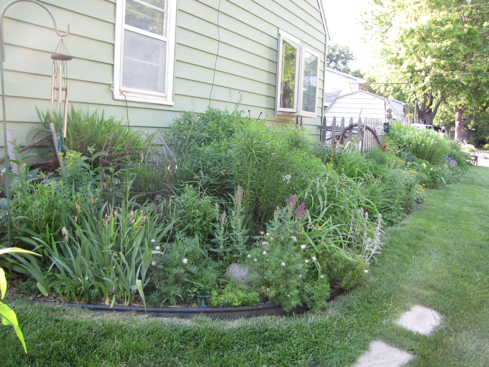 Landscaping Ideas East : Garden plans for east side of house pdf