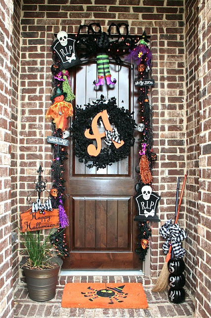 Lookie what i did happy halloween front porch for Decoration porte halloween