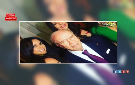 سيلفي: الرئيس السبسي مع فنانات تونسيات بمصر