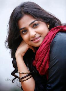 Radhika Pate Glamorous Pictures 007.jpg