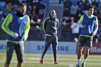 Zinedine Zidane Holds First Training As Real Madrid Manager In Front Of Thousands Of Fans. Pics