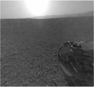 Самые первые фотографии, переданные марсоходом Curiosity