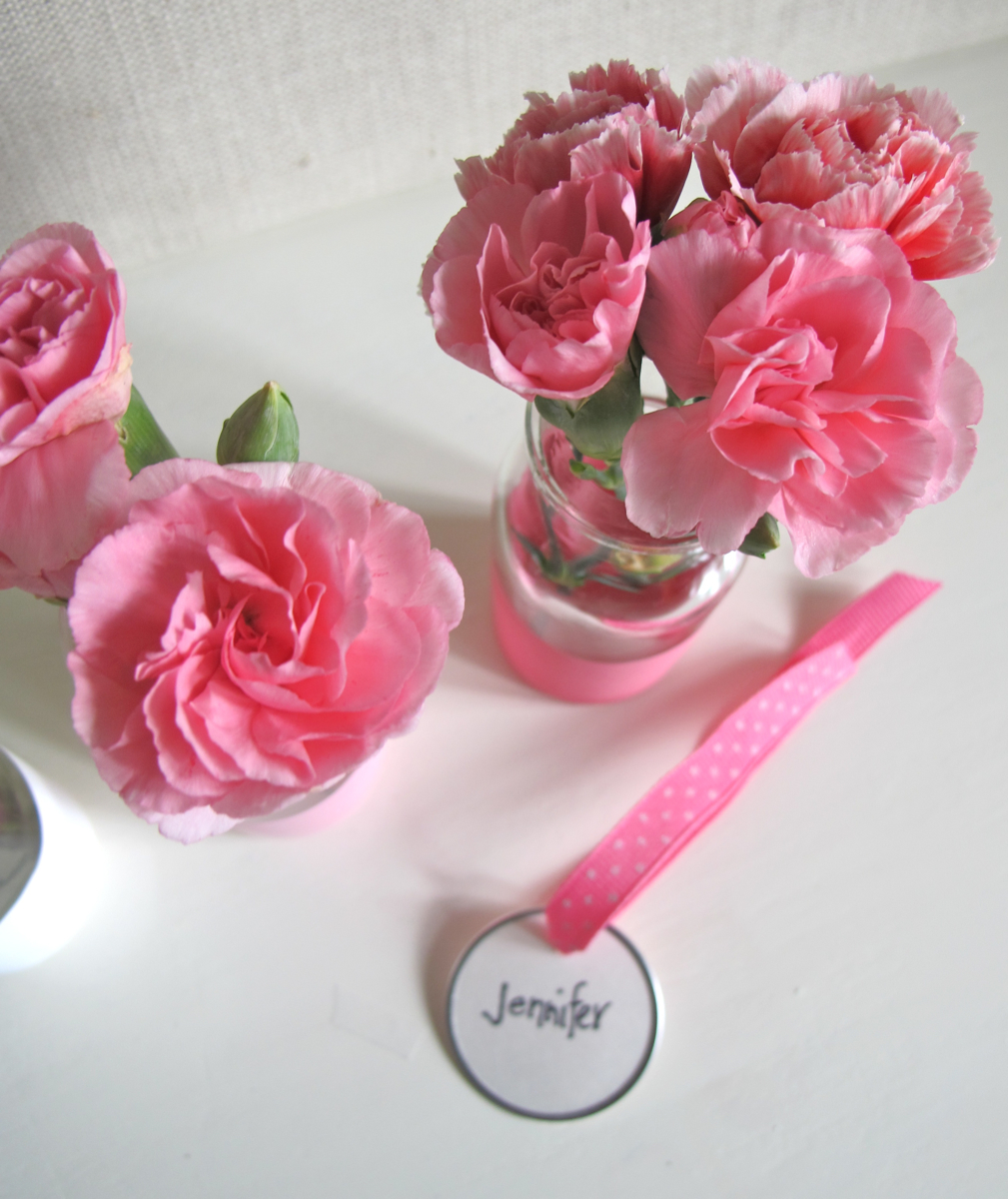 Paper Parade Co.: Easy Dipped Table Vases