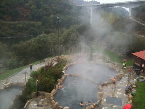 Termas outariz gratis y p blicas turismo galicia for Aguas termales naturales madrid