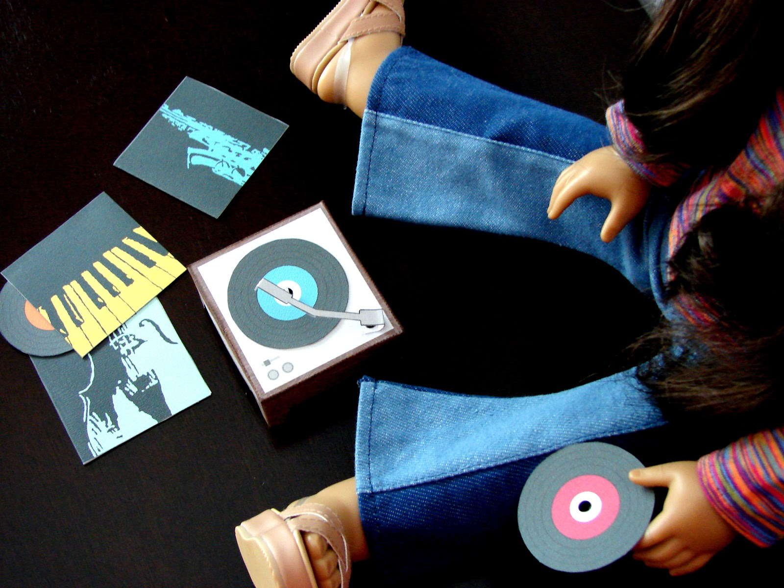 printable for your dolls a retro record player