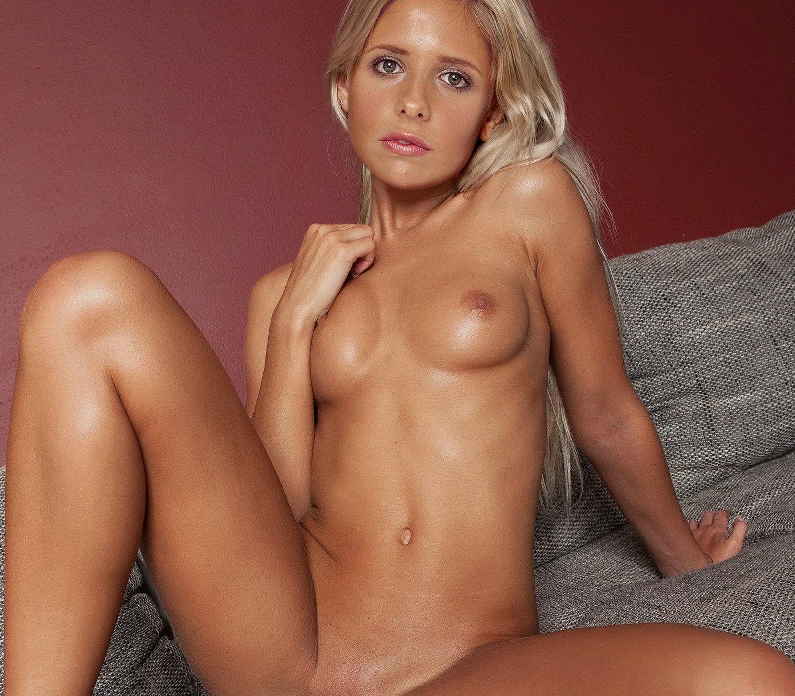 Sarah Michelle Gellar Nude