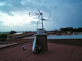com antena TDT e FM
