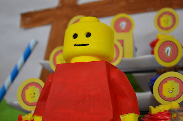 LEGO party dessert table guy