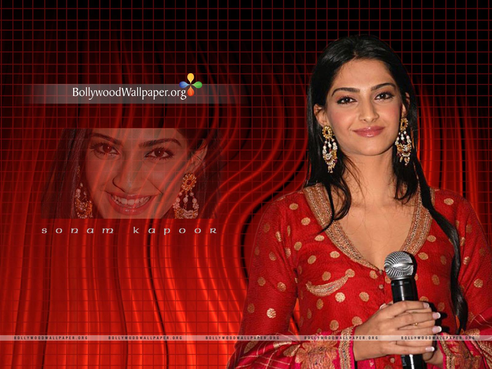 http://2.bp.blogspot.com/-ZbXG_0GTjcg/TnMyFzJnXjI/AAAAAAAAGZE/jSBK89DHHJ4/s1600/Beautiful+Sonam+Kapoor+HD+wallpaper+001.jpg