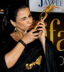 Vidya-Balan-hot-IIFA-Awards-5