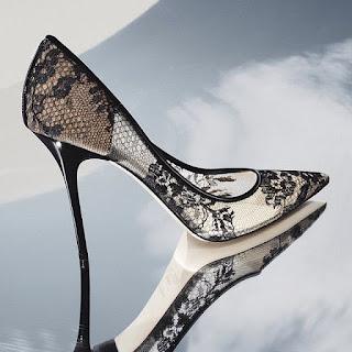 Sapatos pretos em rede da Jimmy Choo