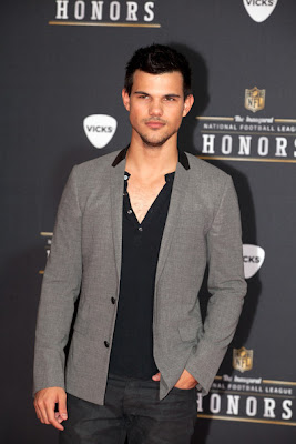 Actor Model Taylor Lautner attends the 2012 NFL Honors at the Murat Theatre on February 4, 2012 in Indianapolis, Indiana