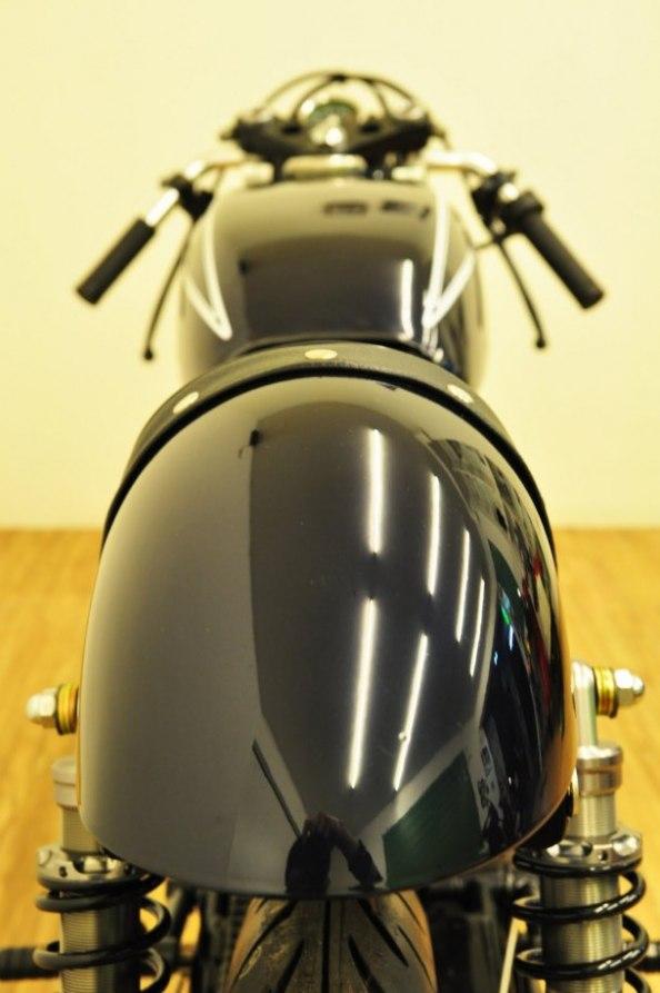 ... tema Modifikasi Honda CB 100 Cafe Racer menjadi inspirasi anda semua