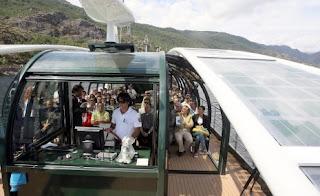 barco solar eolico