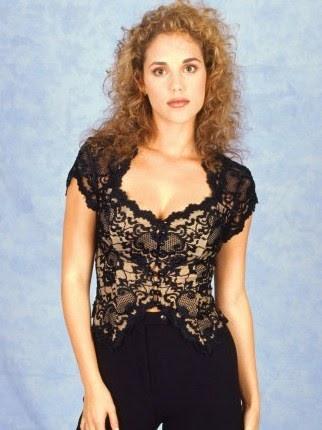 Elizabeth Berkley Measurements Bra Cup Breasts Hips