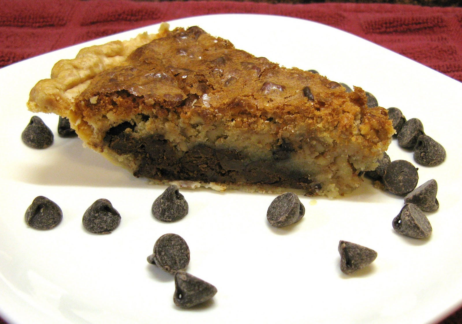 The Well-Fed Newlyweds: Chocolate Chip Cookie Pie