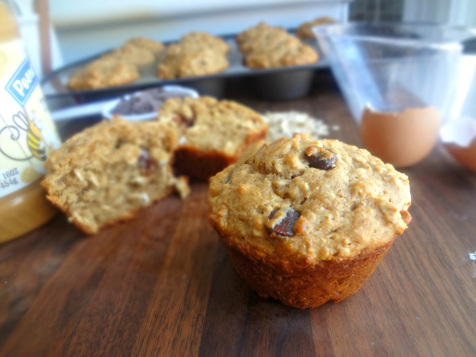 The Cooking Actress: Peanut Butter Chocolate Chip Oat Muffins ...