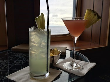 Chuck and Lori's Travel Blog - Drinks on the Queen Mary 2