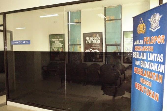 Samsat Ciputat Dilengkapi Smoking Room